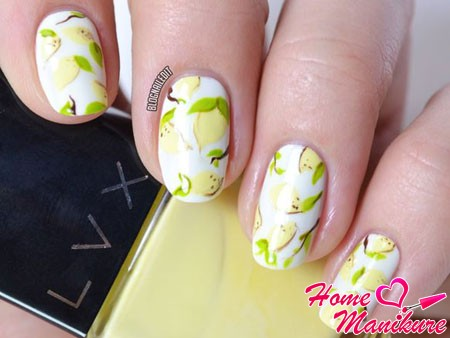 стильные рисунки лимонов на ногтях