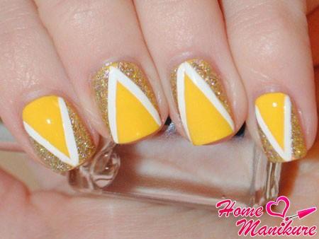 стильный лимонный нейл-арт
