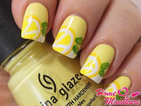 тема лимона в дизайне ногтей