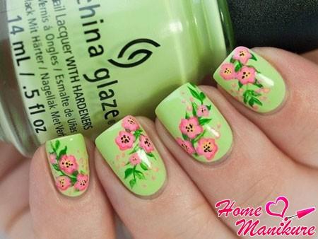великолепные рисунки на салатовых ногтях